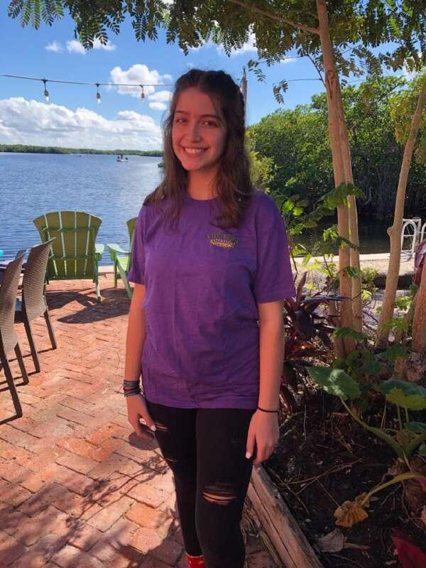 T shirt-yucatan waterfront shop-front of shirt